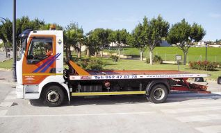 Grúa para 2 vehículos y furgones